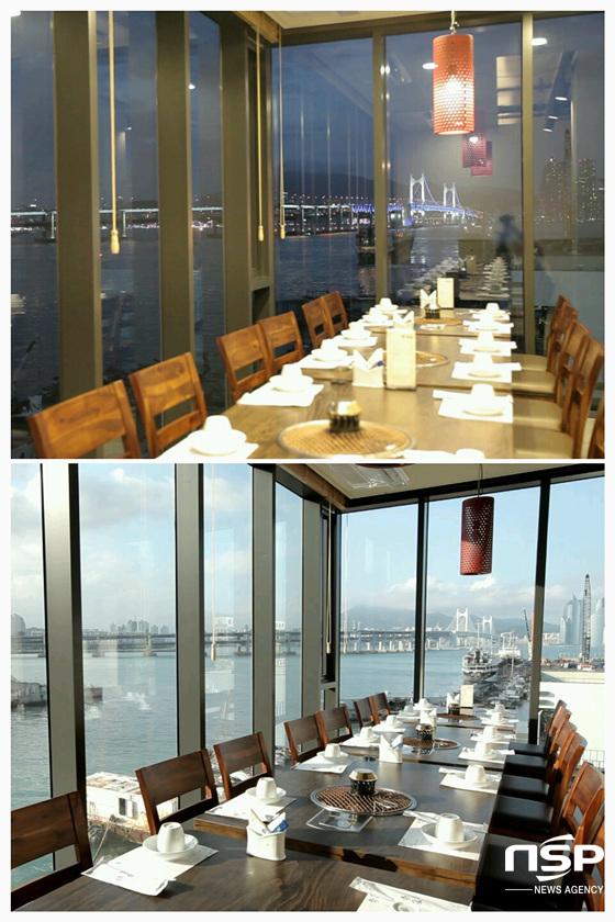 이가한우의 3층 예약실에서 볼 수 있는 전망. 낮에는 푸른 하늘과 드넓은 바다, 밤에는 광안대교의 화려한 야경이 펼쳐진다. (사진 = 김동현 기자)