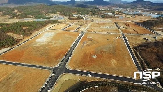 오는 2월 준공을 앞두고 마무리 공사가 한창인 담양군 일반산업단지. (사진 = 담양군)
