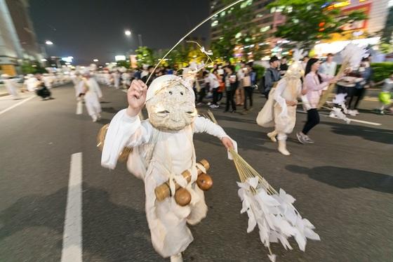 2017 안산국제거리극축제 창작그룹노니- 안安寧녕2017 (사진 = 안산시)