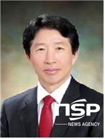 전북새만금산학융합원 이사장에 선출된 나의균 군산대 총장.