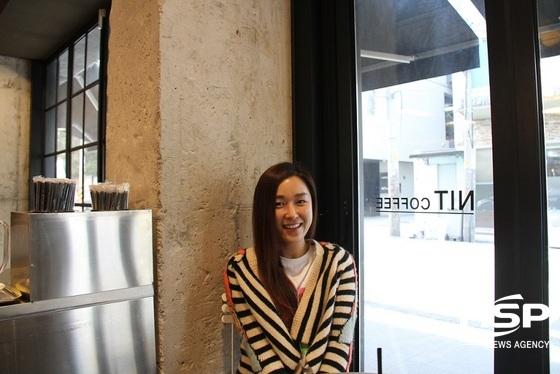 서울 한 카페에서 만난 크로스컨트리 음악감독 라언(RAUN). (사진 = 박승봉 기자)