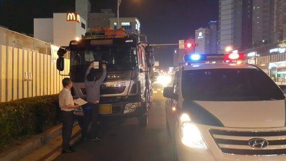 무안군 사업용 화물자동차 차고지 외 밤샘주차 단속 (사진 = 무안군)