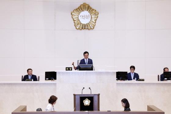 경기 용인시의회(의장 김중식)가 지난 14일부터 18일까지 5일간 제217회 임시회 일정을 마무리 했다. (사진 = 용인시의회)