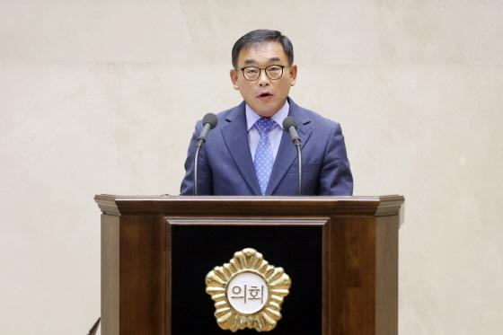 윤원근 용인시의원이 제217회 임시회 제2차 본회의 5분 자유발언. (사진 = 용인시의회)