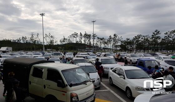 황금연휴가 이어지고 있는 가운데 서해안 고속도로 상행선 방향 휴게소가 차량들로 가득 찼다. (사진 = 민경호 기자)