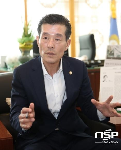 포항시의회 서재원 의장이 취임 100일 인터뷰를 하고 있다. (사진 = 포항시의회)