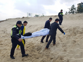 [NSP PHOTO]강릉 남항진 인근 해상서 40대 남성 숨진채 발견