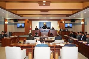[포토]장수군의회, 임시회 폐회…추경 예산안 3680억 의결