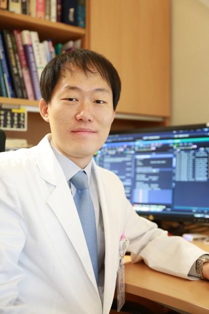 분당서울대병원 소화기내과 윤혁 교수. (사진 = 분당서울대병원)