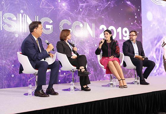 라이선싱 콘 2019의 오픈 콘퍼런스 세션1 글로벌 라이선싱 마켓 트렌드에서 패널 토론이 진행 중이다. (사진 = 한국콘텐츠진흥원)