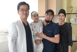 [포토]순천향대 부천병원 정문영 교수팀, 카자스흐스탄 뇌전증 환아 성공 치료
