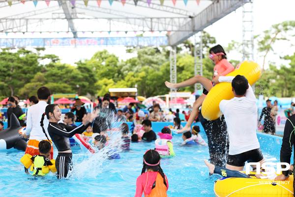 경주엑스포 여름 pool 축제 가족단위 방문객 모습. (사진 = 경주엑스포)