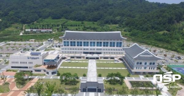 경상북도교육청은 오는 17일 구미 경북교육청연수원에서 중등학교 교원, 교육전문직과 학부모 등 700여명을 대상으로 수업나눔 한마당 행사를 개최한다.