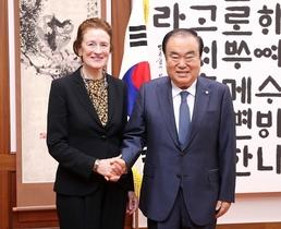 [포토]헨리에타 포어 유니세프 총재, 문희상 국회의장 예방