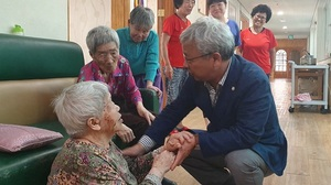 [포토]장수군의회, 추석 맞이 사회복지시설 위문방문