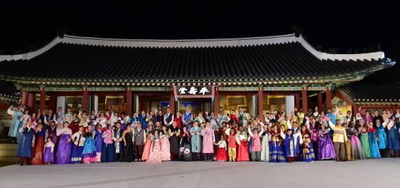 안산시가 세계의상페스티벌을 2019 안산 김홍도 축제에서 선보인다. (사진 = 안산시)