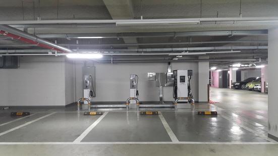 아파트충전소 (사진 = 한국전력 제공)