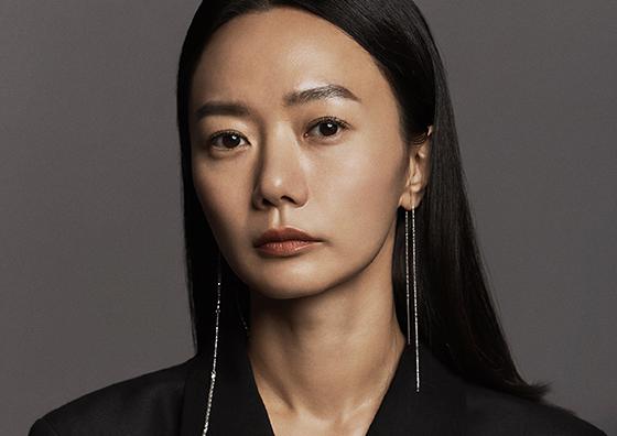 예뜨왈 뒤 시네마상을 수상하는 배우 배두나 (사진 = 넷플릭스)