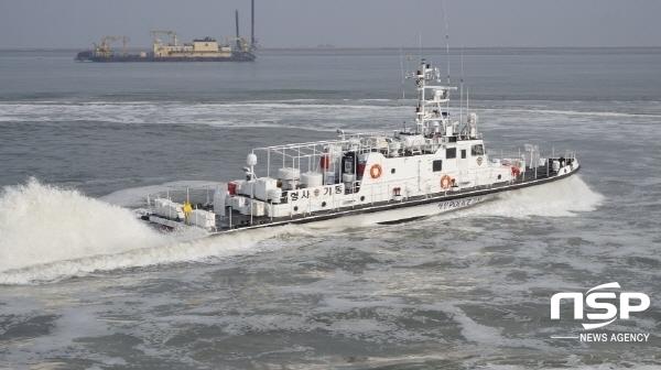 동해해경청 수사긴급배치 훈련에 참가한 형사기동정 (사진 = 동해지방해양경찰청)