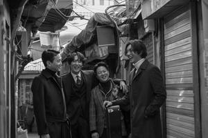 [포토]'지현우 밴드' 사거리 그오빠, 22일 유튜브 생방송 통해 팬들과 실시간 소통