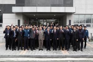 [포토]유인태 국회사무총장, 국회경비대 위문 방문