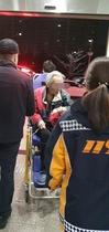 [NSP PHOTO]인천삼산경찰서, 검거된 벌금미납 치매환자 완납 후에나 석방…'119응급차량'에 실려나가