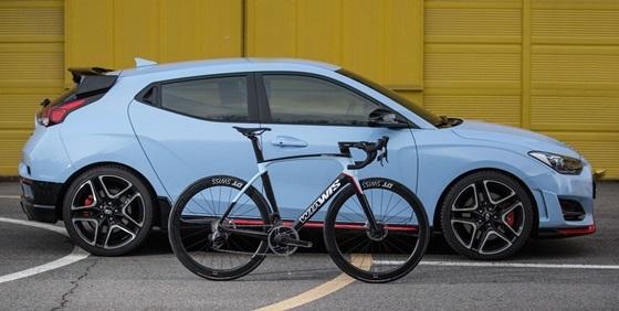 벨로스터 N 및 N 스페셜 에디션 자전거 모습 (사진 = 현대차)