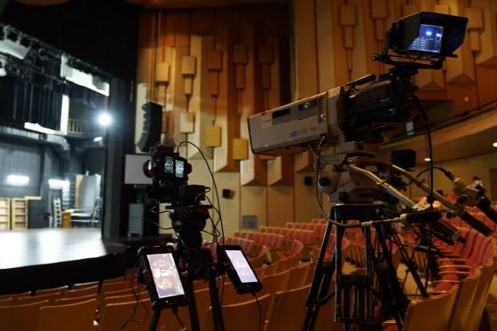 경기아트센터가 LG유플러스 채널로 VR 생중계를 확대함에 따라 실제 공연장을 방불케 하는 생생함으로 경기도무용단 공연을 즐길 수 있게 됐다. (사진 = 경기아트센터)