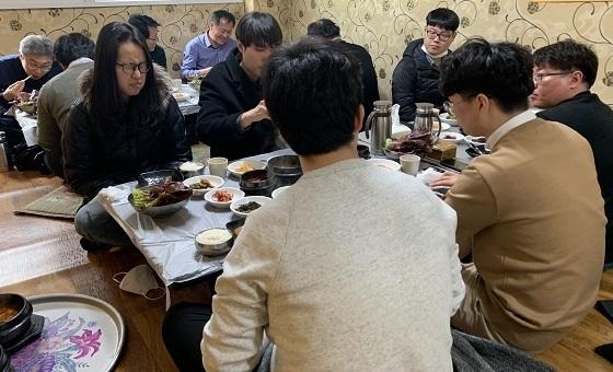 ▲홍성군이 코로나19 가짜뉴스로 영업에 어려움을 겪고 있는 피해업소 지원에 나섰다. (사진 = 홍성군)