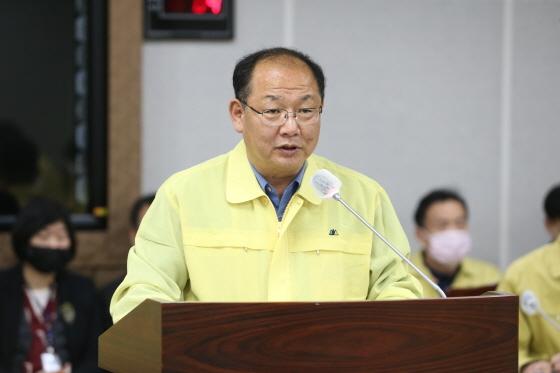 수원시의회 이종근 기획경제위원장이 발언을 하고 있다. (사진 = 수원시의회)
