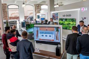 [NSP PHOTO]LG 올레드 TV, 전 세계 찬사…유력 매체의 연이은 호평