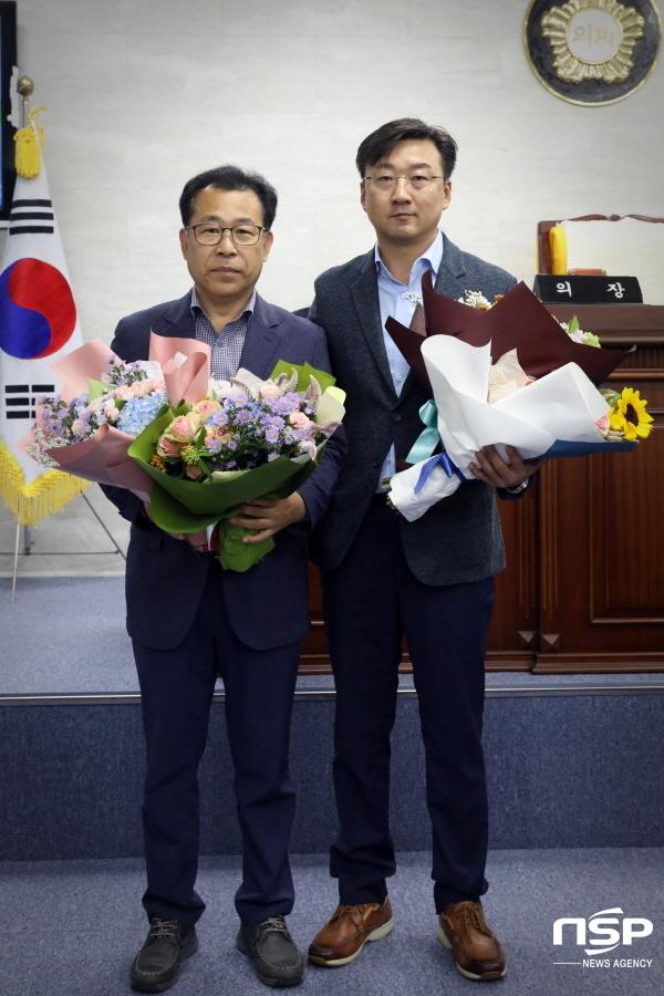 울릉군의회는 제8대 후반기 의장단 선거를해 의장에 최경환의원(오른쪽),부의장에 이상식의원이 각각 당선됐다. (사진 = 울릉군의회)