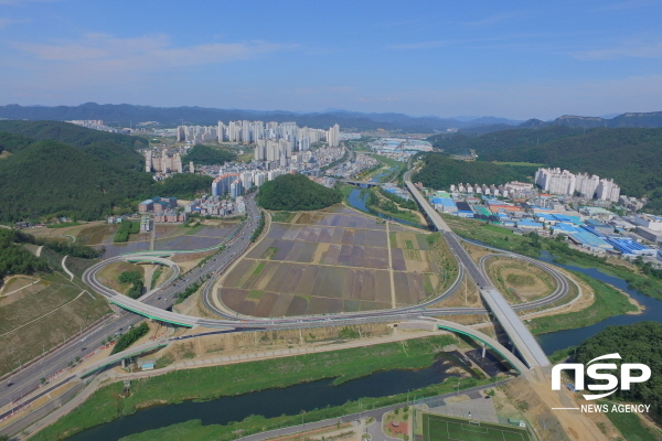 구미시는 국도 33호선 국도대체 우회도로 노선 중 구평동에서 양포동 구간이 지난 30일 오후3시에 개통됐다고 밝혔다. (사진 = 구미시)