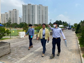 [NSP PHOTO]박헌규 김포 클린도시사업소장, 김포한강신도시 호수공원 현장점검