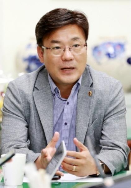 최만식 경기도의회 문화체육관광위원장. (사진 = 경기도의회)