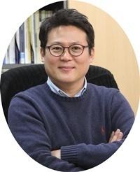 ▲김경일 아주대 심리학과 교수 (사진 = 권영찬닷컴 제공)