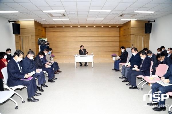 안동시는 9일 보고서없이 주요 사업현장을 방문해 토론하는 노-페이퍼(No-Paper) 전략회의를 개최했다. (사진 = 안동시)