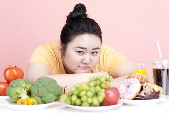 다이어트 식이조절 관련 이미지 (사진 = 유디치과)