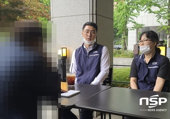 장기수 소공연 노조위원장(좌)이 언론 인터뷰에 응하고 있다 (사진 = 강은태 기자)