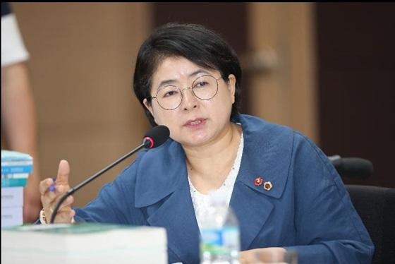 김경미 제주도의회 의원 질의 모습 (사진 = 김경미 의원실)